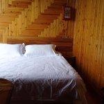 Le lit où on dort super bien. Meilleur oreiller des 5 semaines en Chine !!