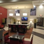 Photo de Holiday Inn Express Hotel & Suites Indianapolis W - Airport Area