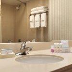 Photo of Hampton Inn & Suites Kansas City Country Club Plaza