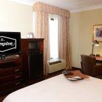 1 Queen Bed Guest Room