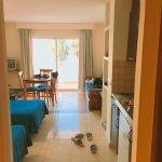 Photo de Apartamentos La Kiki