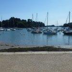 Vue sur la pointe de langle, à gauche l' embarcadère de Bararach et à droite Port Anna