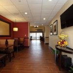 Photo de Hampton Inn and Suites Charlottesville - At The University