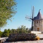 """Le moulin Ribet Saint Pierre appelé """"Moulin de Daudet"""""""