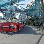 Photo de Le pont à double hélice de Singapour