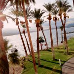 The Nautical Beachfront Resort Foto