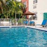 Photo de TownePlace Suites Miami Lakes