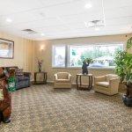 Econo Lodge Inn & Suites - Plattsburgh Foto