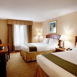 Photo de Holiday Inn Express & Suites Florence I-95 & I-20 Civic Ctr