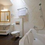 Double Deluxe room - bathroom