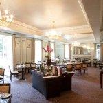 Photo de Mercure Farnham Bush Hotel