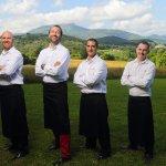 Le Chef Cédric Béchade et ses Chefs exécutifs, sommelier et restaurant