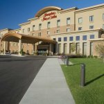 Welcome to the Hampton Inn & Suites Madison-West