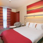 Double Bed Guest Room Standard and Comfortable