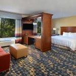 Photo of Hampton Inn & Suites Huntersville