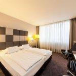Novum Select Hotel Berlin Spiegelturm Foto