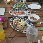 Photo de Feast At Lele