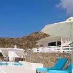 La piscine, chaude et sous un bon soleil du mois de septembre