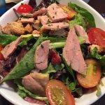 """Magnifique cassolette """"Méditerranéenne """" avec un rouget cuit à merveille....Et somptueuse salade"""