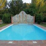 Zona de piscina muy amplia