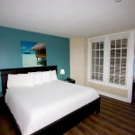 Oceanfront Suite King Bedroom