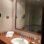 Habitación y el baño