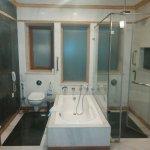 Photo de Ramada Udaipur Resort and Spa