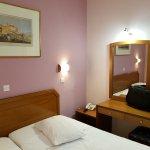 Economy Hotel Photo