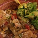 Garden salad/ ranch dressing was very good. Fresh catch ( grouper) with ya ya sauce and seafood