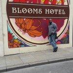 Blooms Hotel Foto