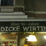 Dicke Wirtin Foto