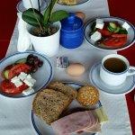 Ausreichendes Frühstücksbuffet.....