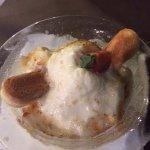 Espuma de crema catalana con helado de vainilla
