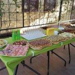Ricco e goloso aperitivo per gli ospiti della Terrazza di Castiglione,luglio e agosto, con vino