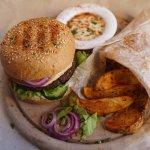 Бургер с картошкой! Котлета из фалафеля или сейтана на выбор