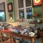 Salle du petit déjeuner le buffet