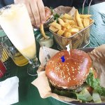 Bacon-cheese burger, orange ice cream float, large fries & bearnaise dipping