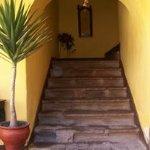 Escalera del primer piso.