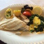 Seelachs mit Spinat und Senfsoße, sehr zu empfehlen! Wir waren sehr zufrieden !