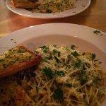 Wild mushroom & spinach Carbonara with garlic bread -LURVVVEEEEELY