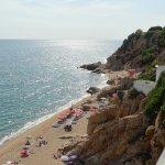 Пляж с рестораном Rocapinc