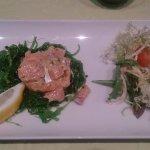 Tartare de saumon, algues confites