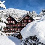Tiefverschneit im Winter Romantik Hotel Schweizerhof Grindelwald