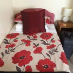 The single bed in our lovely, comfortable, clean double room!