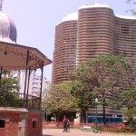 Praça da Liberdade, ao edifício de Oscar Niemeyer