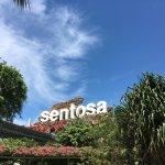 Photo de Sentosa Boardwalk