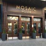 Photo de Mosaic House