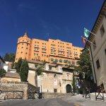Increíbles vistas de Granada desde la terraza y salones espectaculares .Eso si , hay que pagarlo