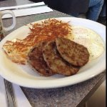 big portions, good breakfast and their gravy is good too!!