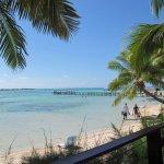 la plage vue de la terrasse du restaurant